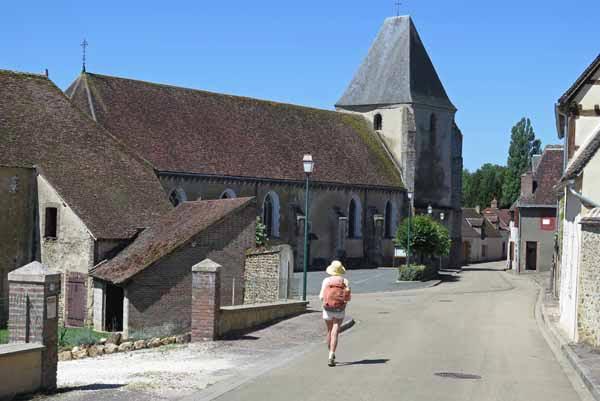 Walking in France: Passing through Tannerre-en-Puisaye
