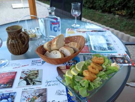 Walking in France: Starting with calamari fritters