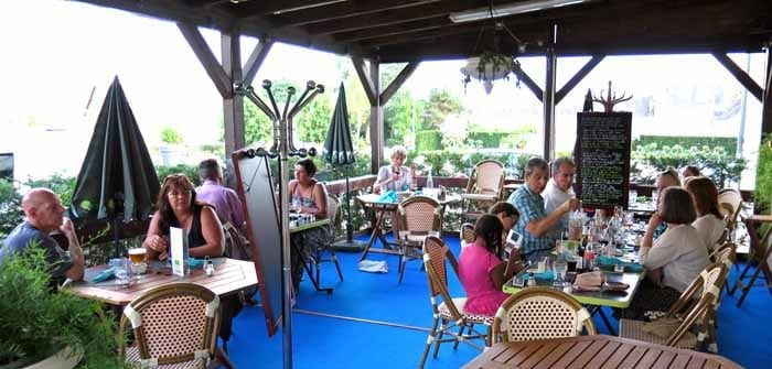 Walking in France: Dinner at la Canardière