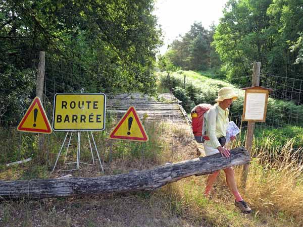 Walking in France: Route barrée