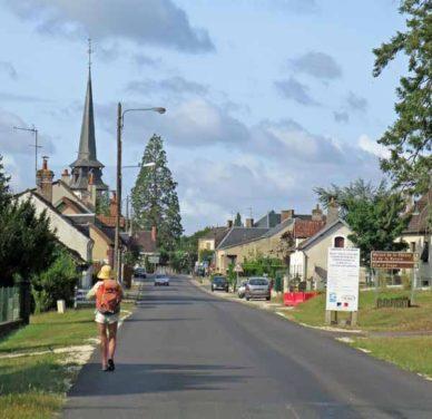 Walking in France: Arriving in Vouzeron