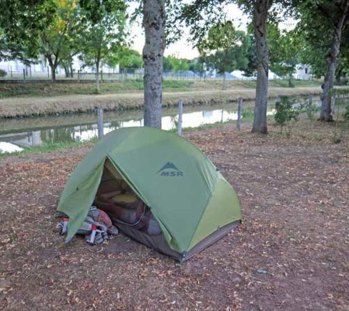 Walking in France: Installed beside the Canal de Berry, Dun-sur-Auron