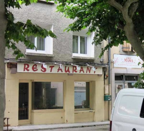 Walking in France: A closed Chez Mama