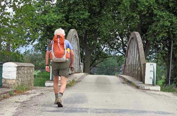 Walking in France: Rejoining the canal
