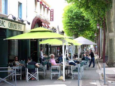 Walking in France: Apéritifs, Castelnaudary