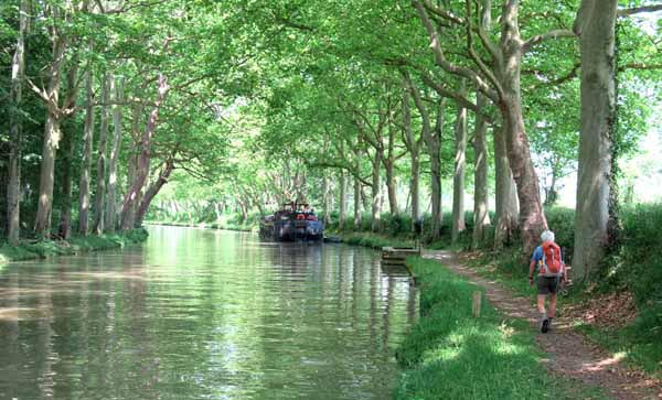 "Walking in France: Going ""downhill"" towards Avignonet-Lauragais"