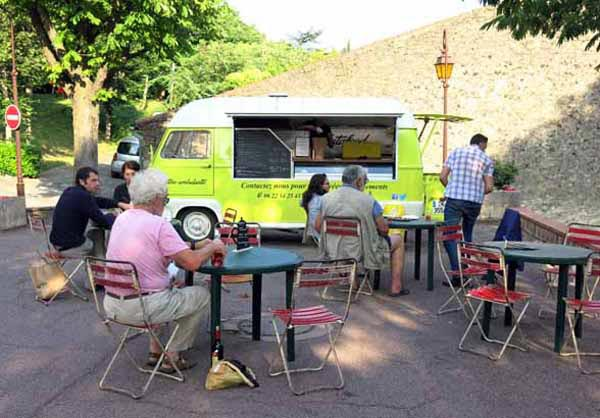 Walking in France: The wonderful Cantine Ambulante