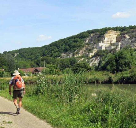 Walking in France: Former limestone quarry near Cry