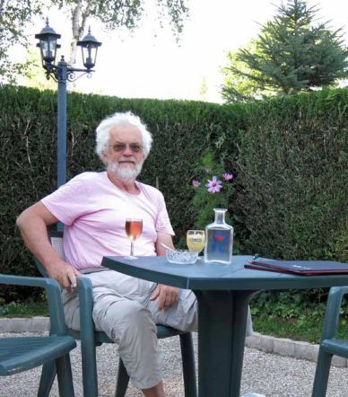 Walking in France: Back at the bar for apéritifs