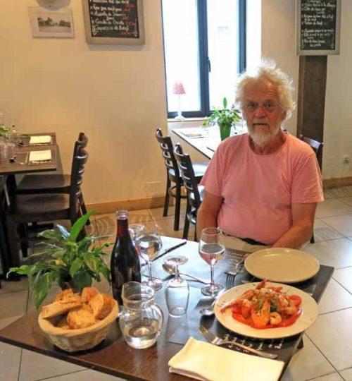 Walking in France: Dinner at les Deux Gros, Neuvy-sur-Barangeon
