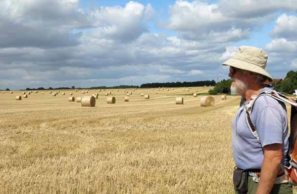 Walking in France: Hay bales near Bréand