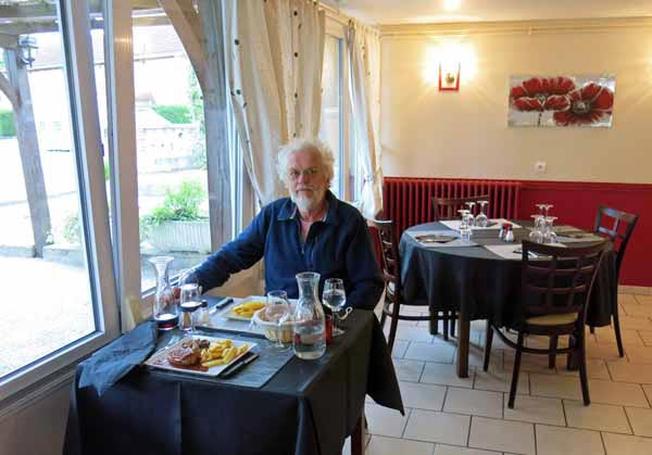 Walking in France: About to devour our mains