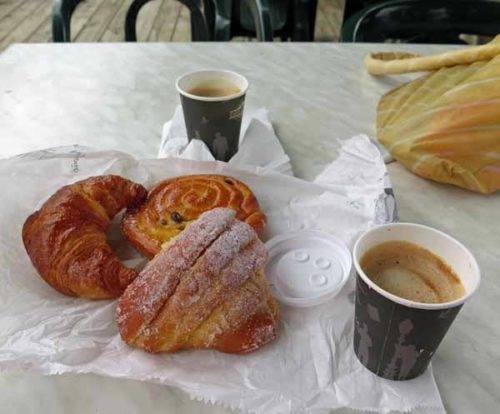 Walking in France: A sugary start to the day, Seyssel