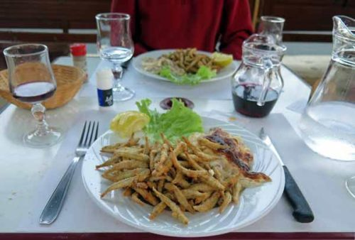 Walking in France: A delicious local speciality, petite friture du lac