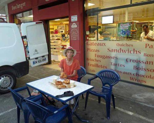 Walking in France: The Beaurepaire boulangerie