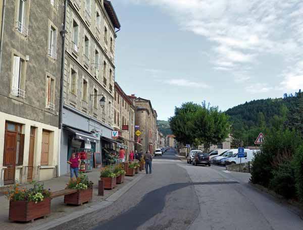 Walking in France: The main street of St-Julien-Molin-Molette
