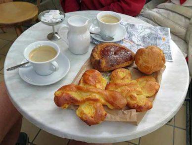 Walking in France: A lovely second breakfast