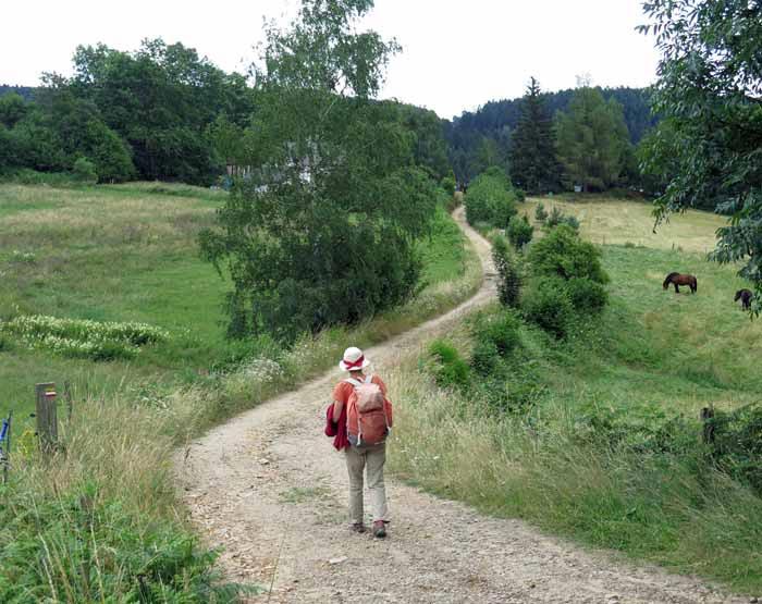 Walking in France: Near la Papeterie