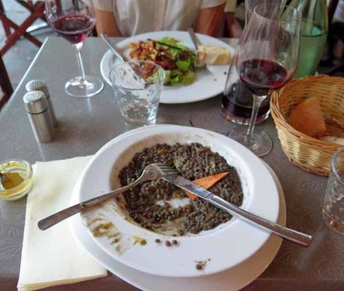 Walking in France: One last sausisses-lentilles