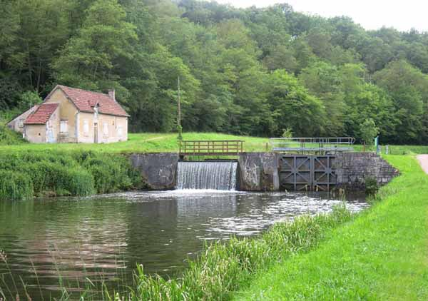 "Walking in France: One of the locks of the ""ladder of Sardy"""