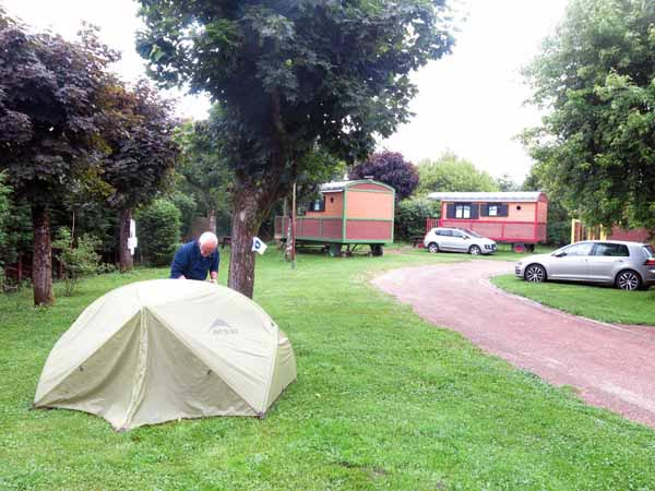 Walking in France: Châtillon-en-Bazois' slightly mysterious camping ground