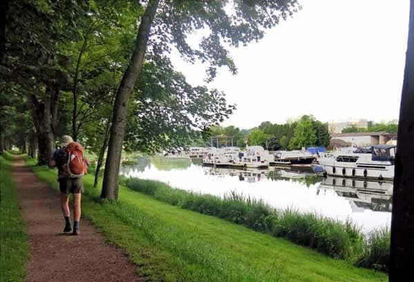 Walking in France: Decize boat harbour