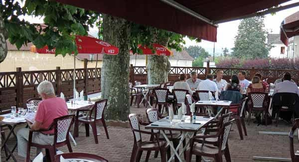 Walking in France: Dinner on the terrace of le Relais de la Tourelle, Paladru