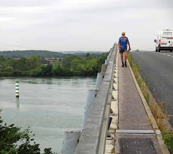 Walking in France: Almost across the Rhône