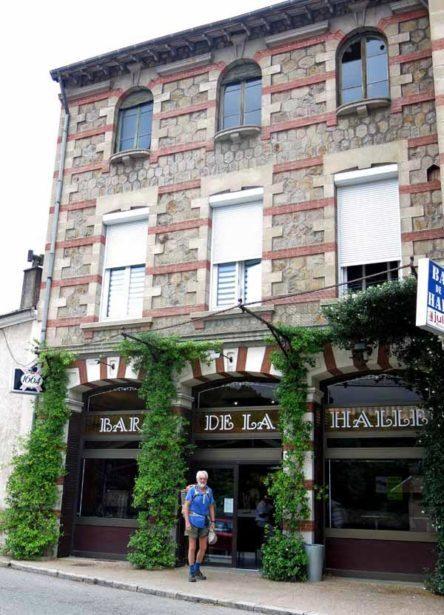 Walking in France: Arriving at the Bar de la Halle, Chavanay