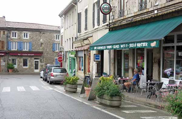 Walking in France: At ease in Maclas