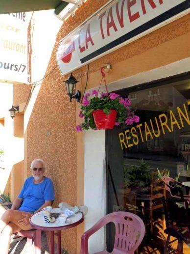 Walking in France: Coffee stop in Borne