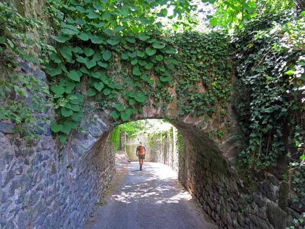 Walking in France: The traditional route from Borne to le Puy