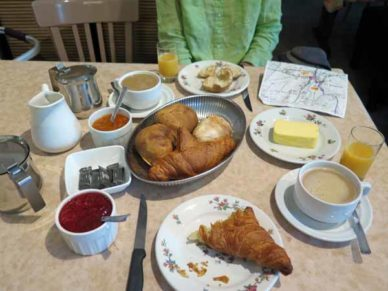 Walking in France: Our glorious breakfast