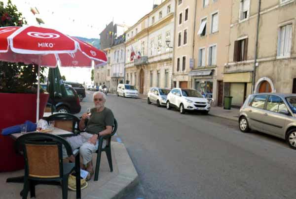 Walking in France: Aperitifs