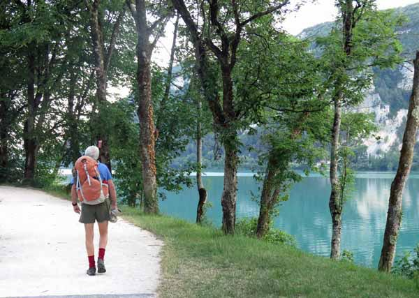 Walking in France: On the cycle path beside Lac du Nantua