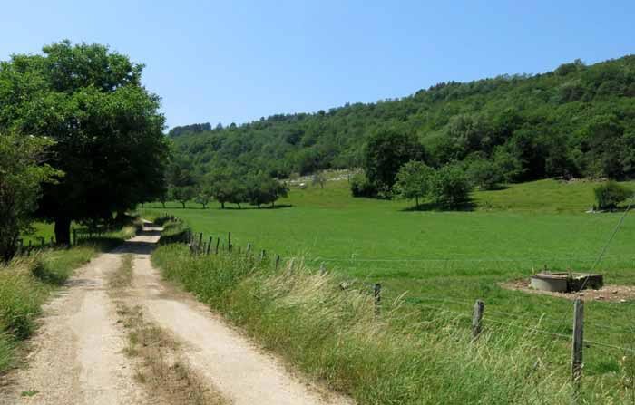 Walking in France: The back road to Cize