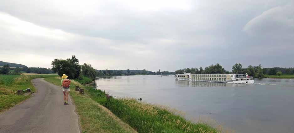 Walking in France: Two very different ways to experience the Saône