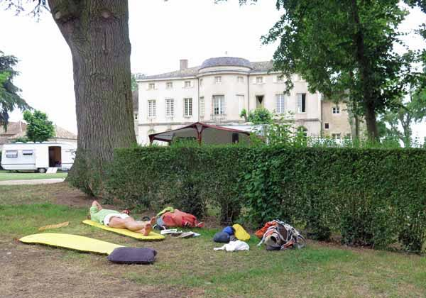 Walking in France: Dozing under a 500-year-old cedar tree, Château de l'Epervière