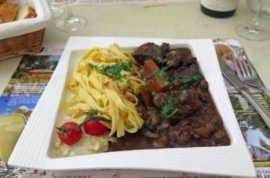 Walking in France: An excellent boeuf Bourgignon