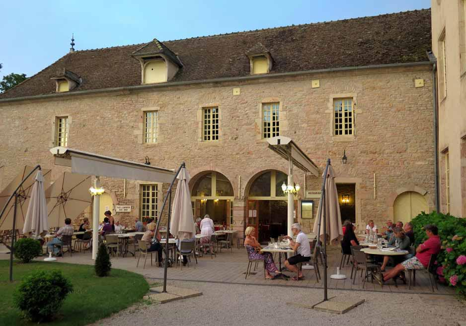Walking in France: And so ended a beautiful meal, Château de l'Epervière, Gigny-sur-Saône
