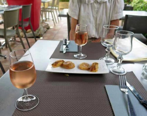 Walking in France: Glasses of rosé and savoury pastries to start dinner at le Grillardin, Seurre