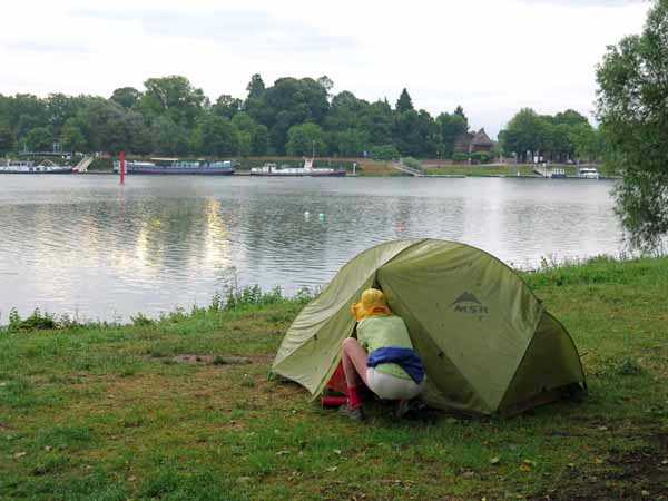Walking in France: A soggy morning in Seurre