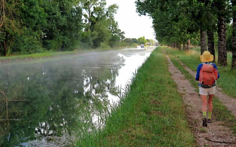 Walking in France: On the way to Brazey-en-Plaine