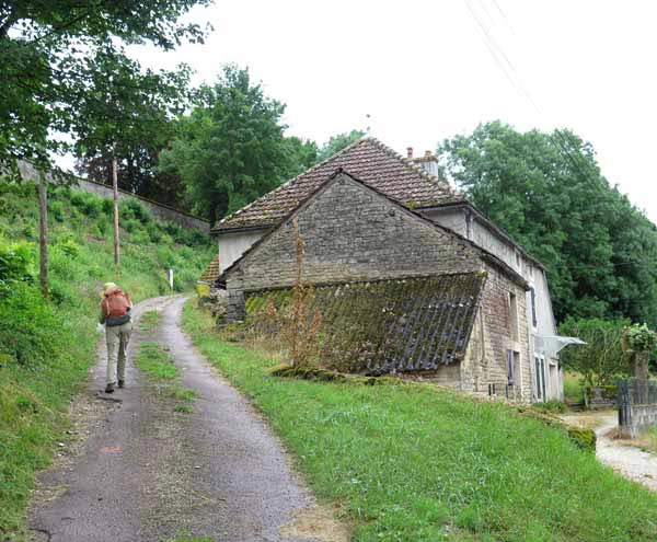 Walking in France: Climbing out of Thorey
