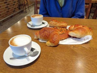 Walking in France: Breakfast at the hotel