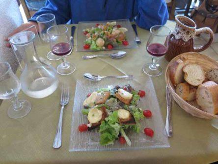 Walking in France: Salade au chèvre chaud