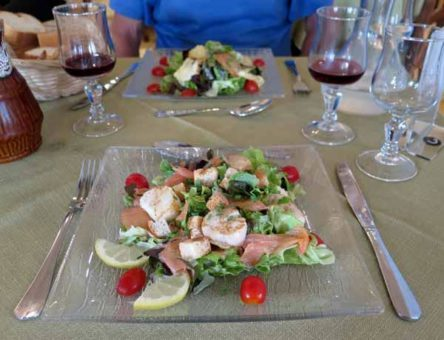 Walking in France: Ham and mozzarella salad