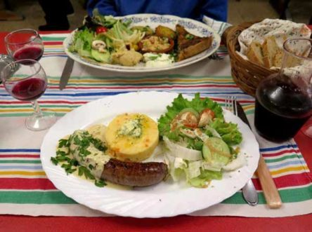 Walking in France: The plat du jour: beef sausage with mustard sauce, a vegetable purée and salad