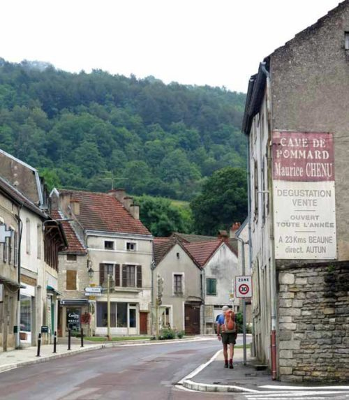 Walking in France: Deviating to the main square of Bligny for breakfast