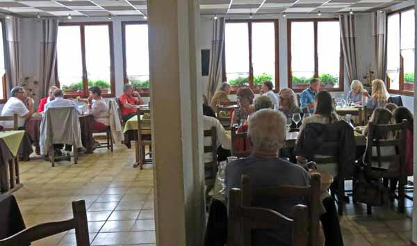 Walking in France: Lunch at the Hotel du Dauphiné, Arnay-le-Duc